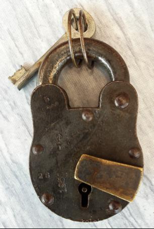 kunci-antik-tahun-1950-1