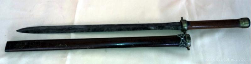pedang-mata-dua-1
